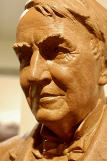 Sculpture of Thomas Edison